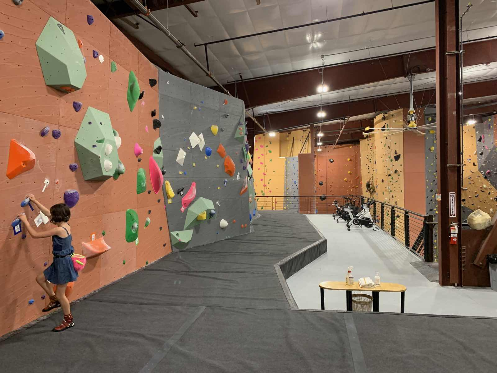 Another section of bouldering at Vertical World North